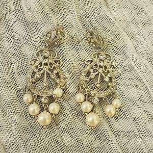 Jewelry - Classic drop earrings